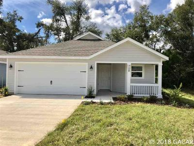 Newberry Single Family Home For Sale: 708 SW 251st Way