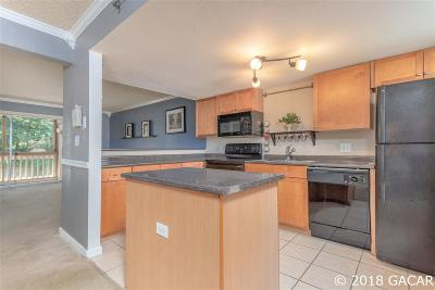 Gainesville Condo/Townhouse For Sale: 1810 NW 23 Boulevard #112