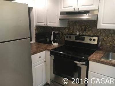 Gainesville Condo/Townhouse For Sale: 717 SW 75th Street #107