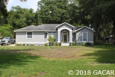 Melrose Single Family Home For Sale: 664 SE 28th Way