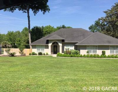 Melrose Single Family Home For Sale: 637 SE 28th Way