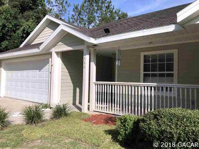 Newberry Single Family Home For Sale: 559 NW 259TH Terrace