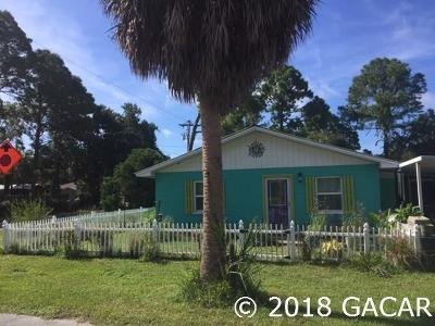 Cedar Key Single Family Home For Sale: 1210 HAWTHORNE Avenue