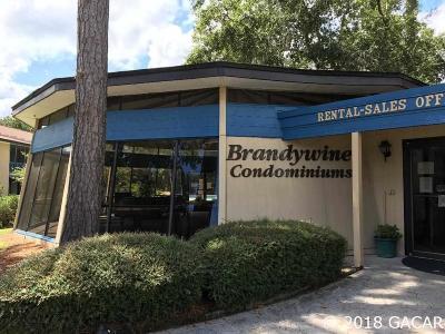 Gainesville Condo/Townhouse For Sale: 2811 SW Archer Road #K-98