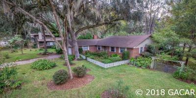 Gainesville Single Family Home For Sale: 2006 NW 18th Lane