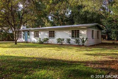 Gainesville Single Family Home For Sale: 914 NE 10TH Place