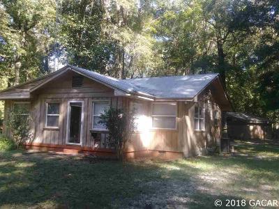 High Springs Single Family Home For Sale: 582 SE HAPPY VALLEY Glen