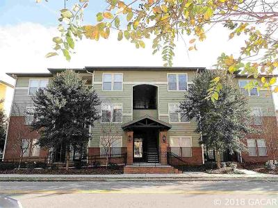 Gainesville Condo/Townhouse For Sale: 1235 SW 9TH Road #102