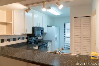 Gainesville Condo/Townhouse For Sale: 3733 NW 56th Place