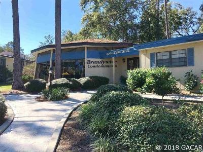 Gainesville Condo/Townhouse For Sale: 2811 SW Archer Road #Z-247