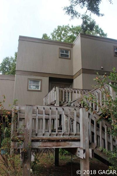 Gainesville Condo/Townhouse For Sale: 713 SW 75 Street #203