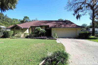 Gainesville Single Family Home For Sale: 945 SW 82ND Terrace
