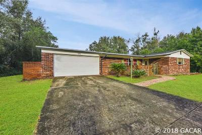 Williston Single Family Home For Sale: 464 E Country Club Drive