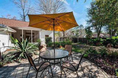 Gainesville Single Family Home For Sale: 1304 NW 98TH Terrace