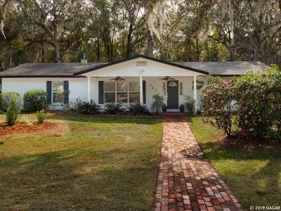 Gainesville Single Family Home For Sale: 3825 SW 6th Place