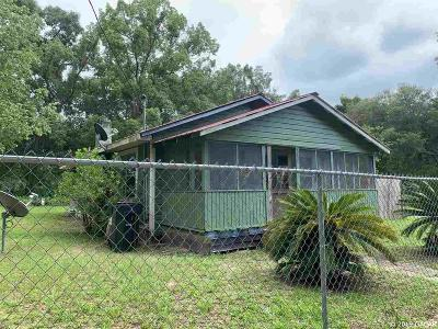 Gainesville Single Family Home Pending: 221 SE 13th Lane