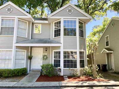 Gainesville Condo/Townhouse For Sale: 2327 SW 73rd Terrace