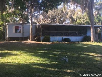 Hawthorne Single Family Home For Sale: 134 Sunnyside Beach Rd