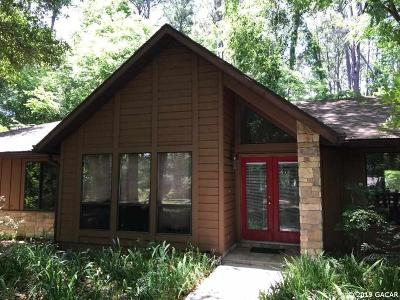 Gainesville Single Family Home For Sale: 110 SW 99 Terrace
