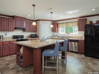 Bronson Single Family Home For Sale: 6131 NE 112TH Terrace