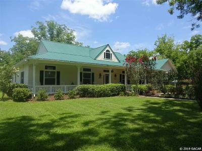 Hawthorne Single Family Home For Sale: 204 SE County Road