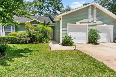 Newberry Condo/Townhouse For Sale: 917 NW 124th Drive