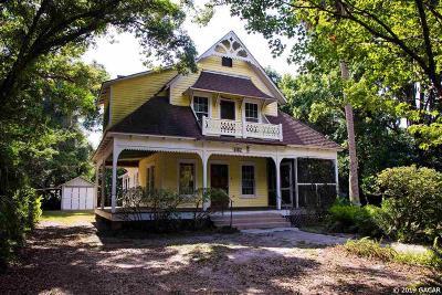 Melrose Single Family Home For Sale: 6102 Quail Street