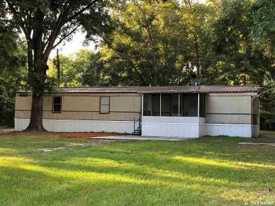 High Springs Single Family Home For Sale: 121 SW Alpine Place