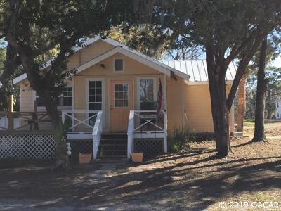 Steinhatchee Single Family Home For Sale: 1101 SE 3rd Avenue