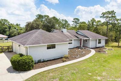 Williston Single Family Home For Sale: 910 NE 10th Circle