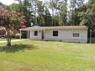 Gainesville Single Family Home For Sale: 2715 NW 45th Place