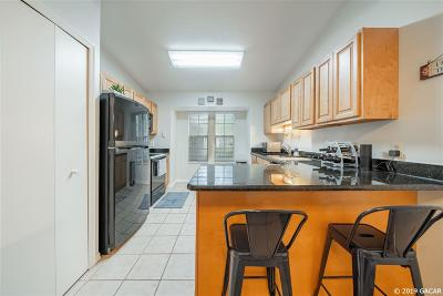 Gainesville Condo/Townhouse For Sale: 243 NW 48th Boulevard