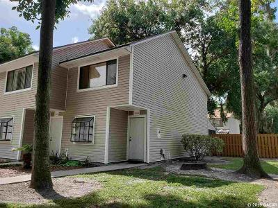 Gainesville Condo/Townhouse For Sale: 6110 SW 8th Lane