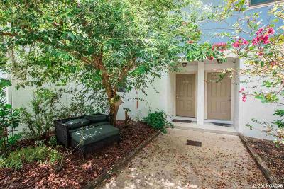 Gainesville Condo/Townhouse For Sale: 1458 SW 25th Place #D-7