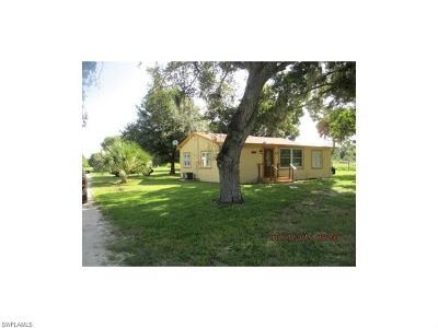 Immokalee Single Family Home For Sale: 3200 Westclox St