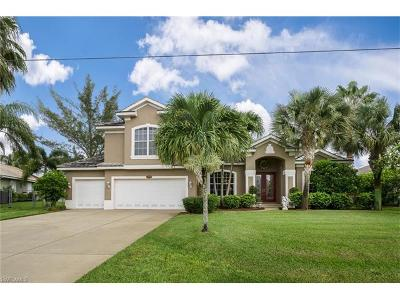 Cape Coral Single Family Home For Sale: 1929 SW 49th Ter