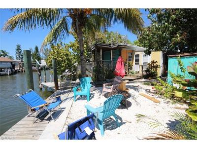Fort Myers Beach Condo/Townhouse For Sale: 15 Emily Ln