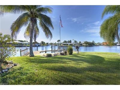 Cape Coral Single Family Home For Sale: 4938 SW 2nd Ave