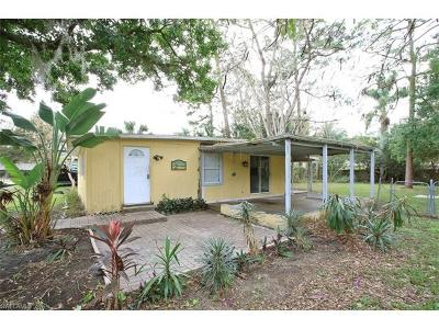Bonita Springs Single Family Home For Sale: 27920 Vermont St