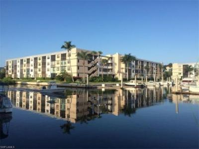 Naples Condo/Townhouse For Sale: 805 River Point Dr #C-104