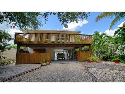 Fort Myers Beach Single Family Home For Sale: 4861 Coquina Rd
