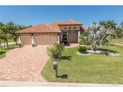 Cape Coral Single Family Home For Sale: 4410 Danny Ave