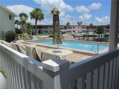 Cape Coral Condo/Townhouse For Sale: 5111 Santa Rosa Ct #2E
