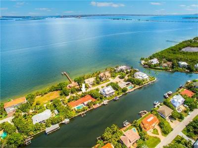 Sanibel Single Family Home For Sale: 1525 San Carlos Bay Dr