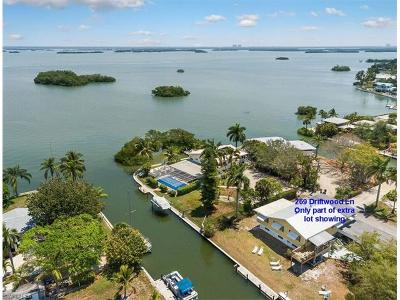 Fort Myers Beach Multi Family Home For Sale: 269 Driftwood Ln