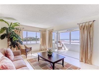 Fort Myers Beach Condo/Townhouse For Sale: 6672 Estero Blvd #A207