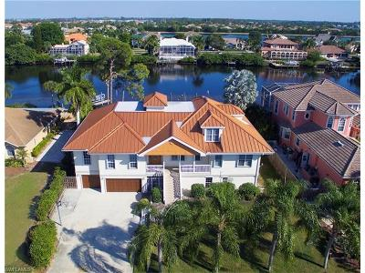 Fort Myers Single Family Home For Sale: 17539 Boat Club Dr