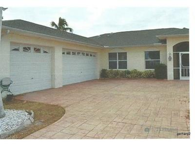 Cape Coral Single Family Home For Sale: 826 SW 47th St