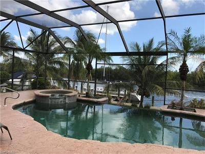 Cape Coral Single Family Home For Sale: 2540 El Dorado Pky W