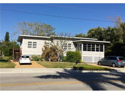 Fort Myers Beach Single Family Home For Sale: 671 Estero Blvd